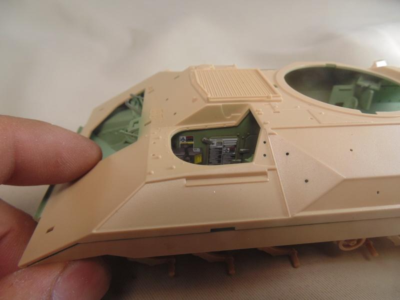 M2A3 Bradley  de MENG au 1/35° Dsc00814
