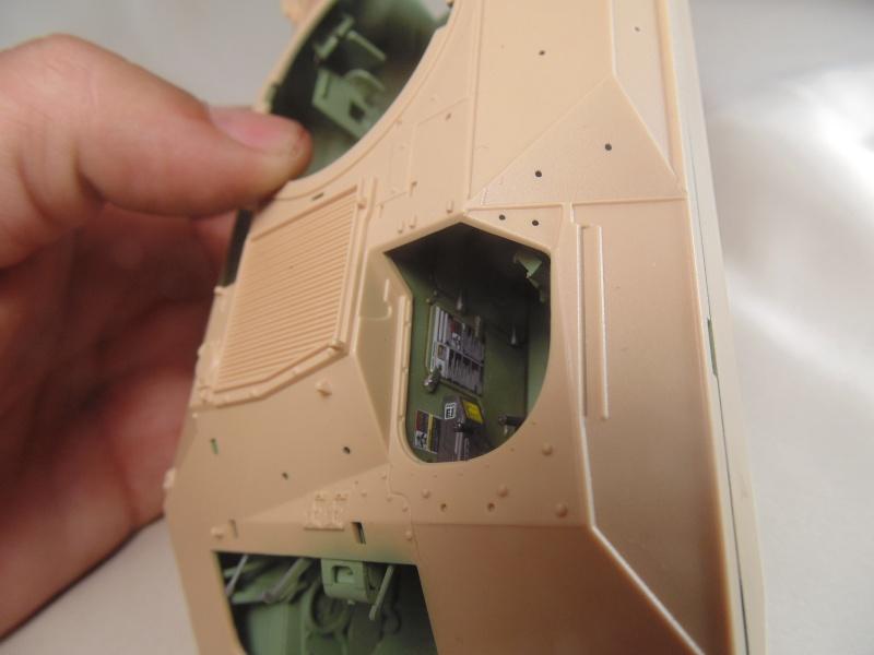 M2A3 Bradley  de MENG au 1/35° Dsc00815