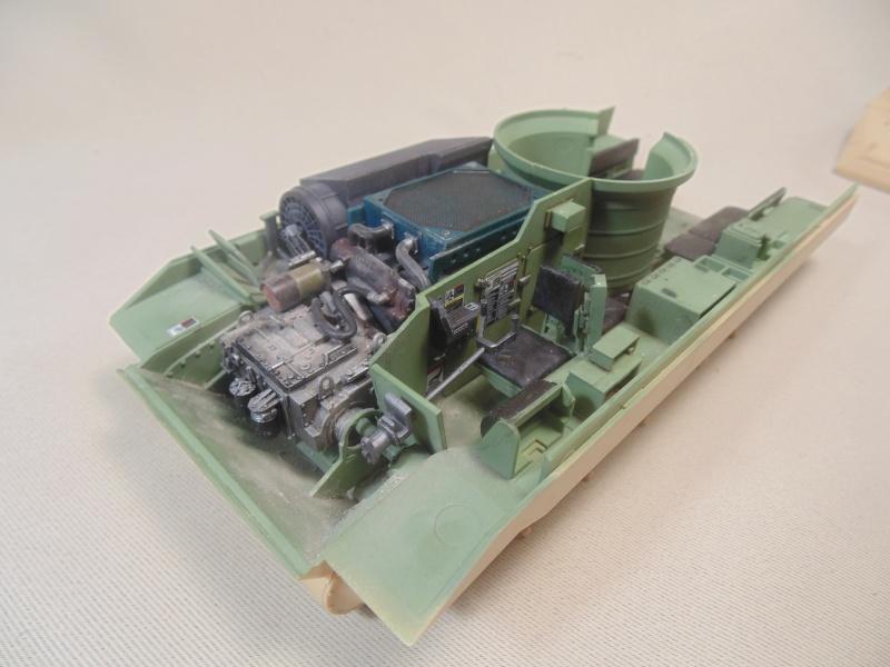 M2A3 Bradley  de MENG au 1/35° Dsc00820