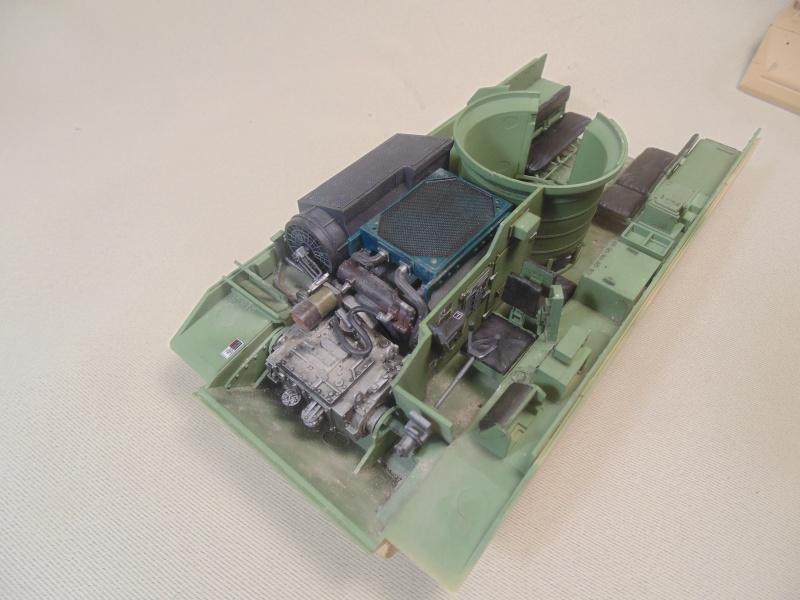 M2A3 Bradley  de MENG au 1/35° Dsc00821