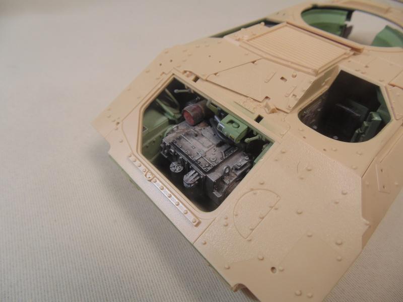 M2A3 Bradley  de MENG au 1/35° Dsc00823