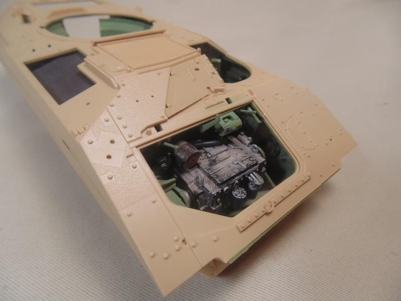M2A3 Bradley  de MENG au 1/35° Dsc00824