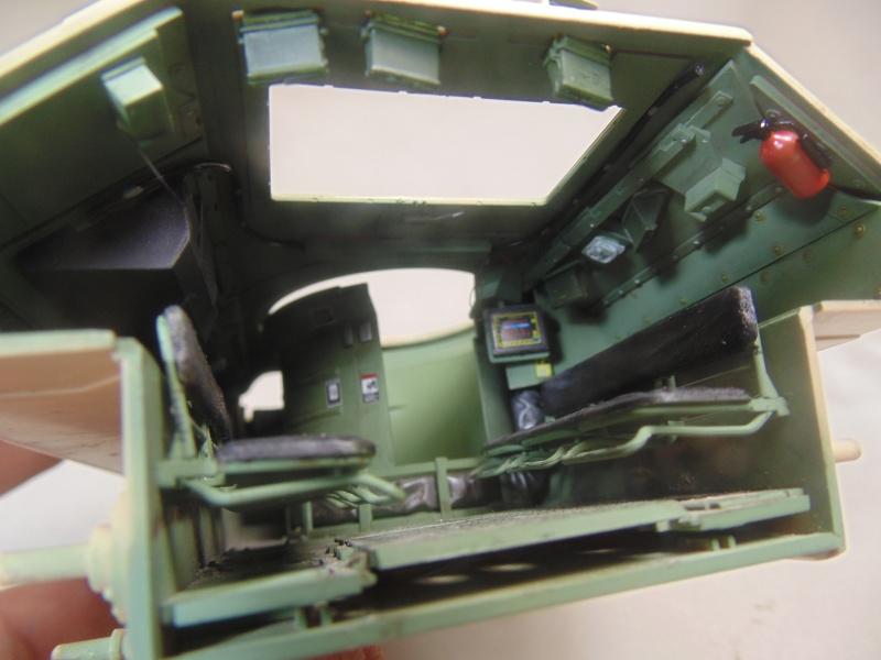 M2A3 Bradley  de MENG au 1/35° Dsc00826