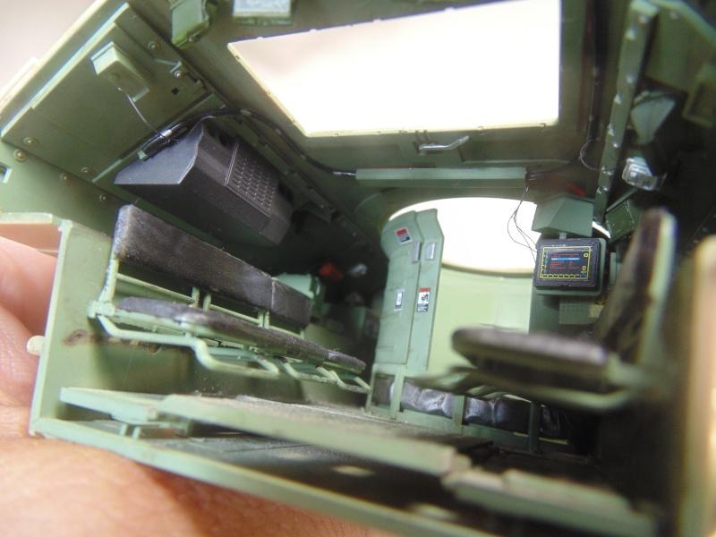 M2A3 Bradley  de MENG au 1/35° Dsc00827