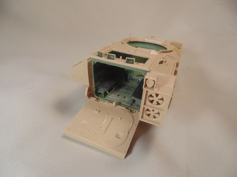 M2A3 Bradley  de MENG au 1/35° Dsc00830