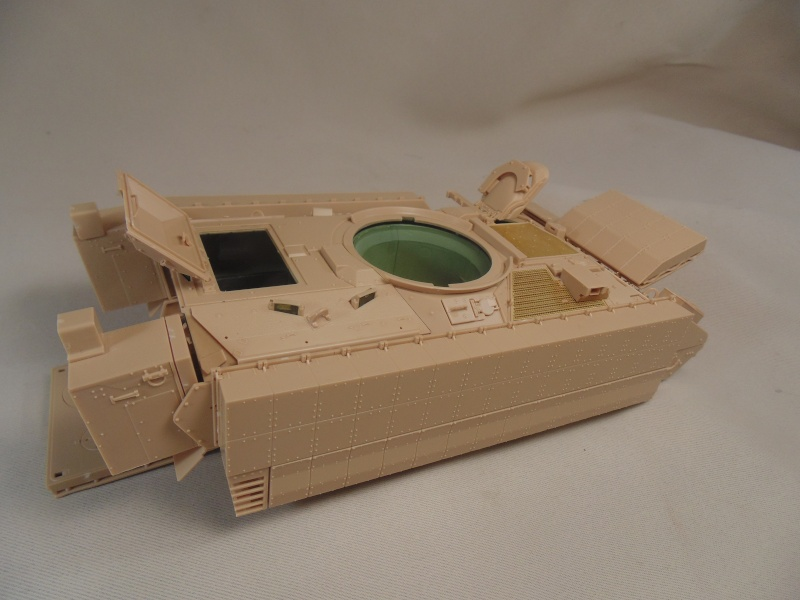 M2A3 Bradley  de MENG au 1/35° Dsc00834