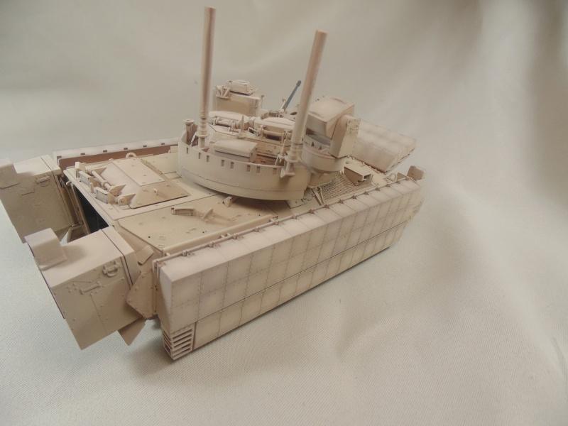 M2A3 Bradley  de MENG au 1/35° Dsc00842