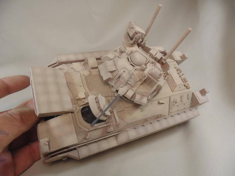 M2A3 Bradley  de MENG au 1/35° Dsc00845