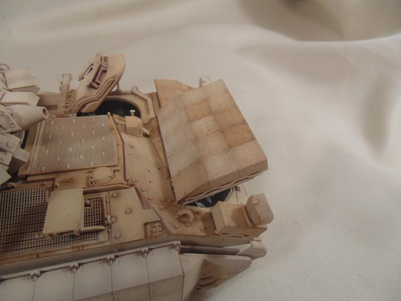 M2A3 Bradley  de MENG au 1/35° Dsc00848