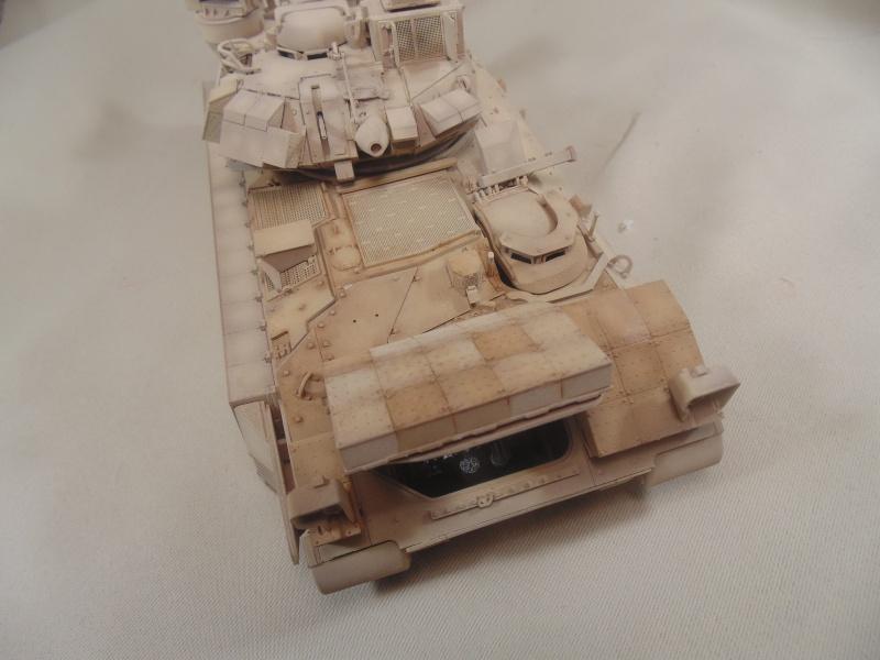 M2A3 Bradley  de MENG au 1/35° Dsc00849