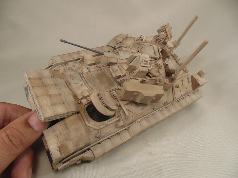 M2A3 Bradley  de MENG au 1/35° - Page 2 Dsc00914