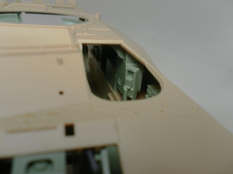 M2A3 Bradley  de MENG au 1/35° Sam_3312