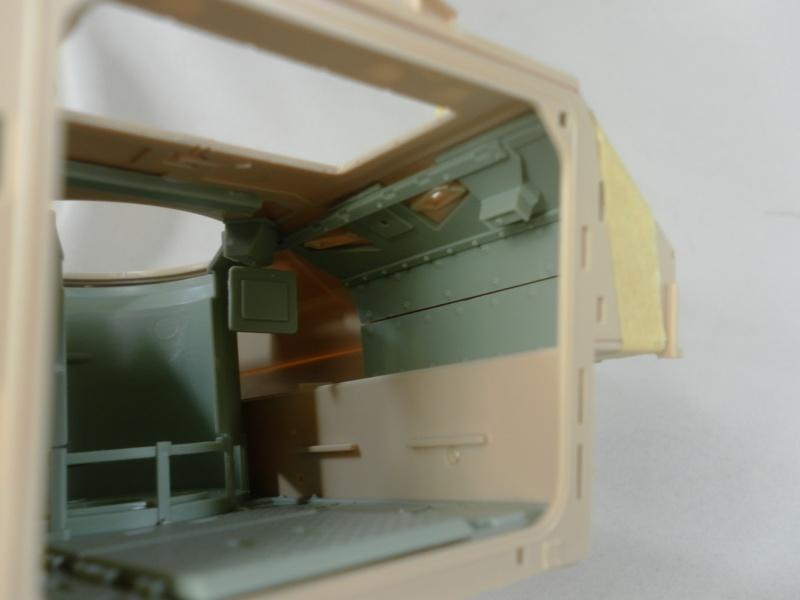 M2A3 Bradley  de MENG au 1/35° Sam_3313