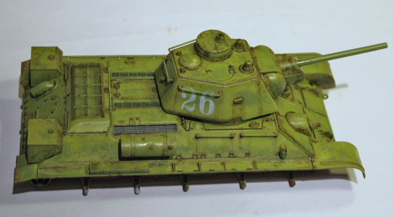 T-34 / 76  tourelle hexagonale  - Page 2 Img_1525