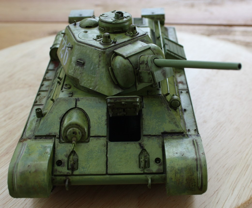T-34 / 76  tourelle hexagonale  - Page 2 Img_1531