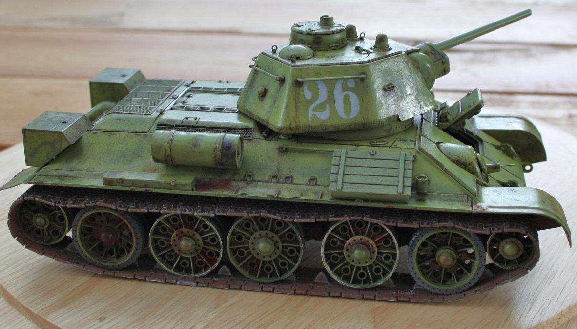 T-34 / 76  tourelle hexagonale  - Page 2 Img_1533