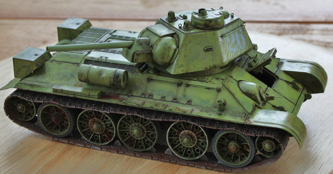 T-34 / 76  tourelle hexagonale  - Page 2 Img_1535