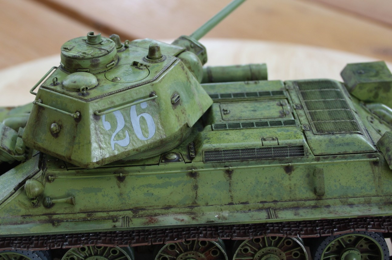 T-34 / 76  tourelle hexagonale  - Page 2 Img_1536