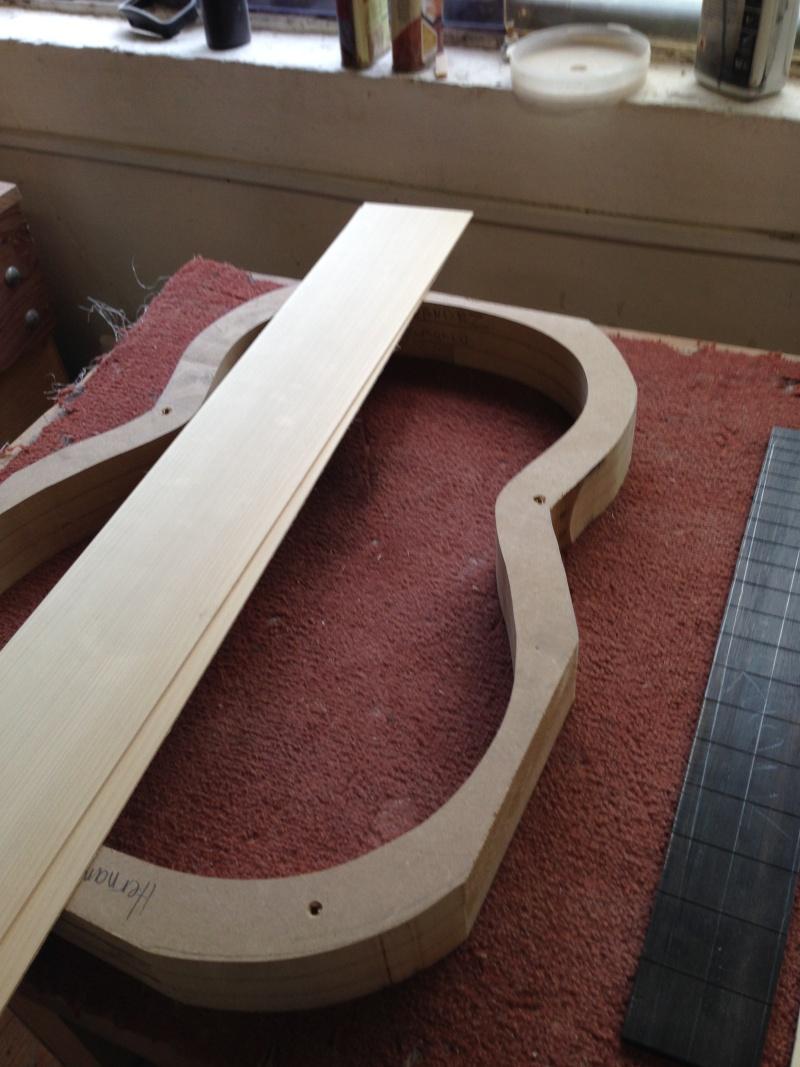 construction d une guitare blanca - Page 2 00210