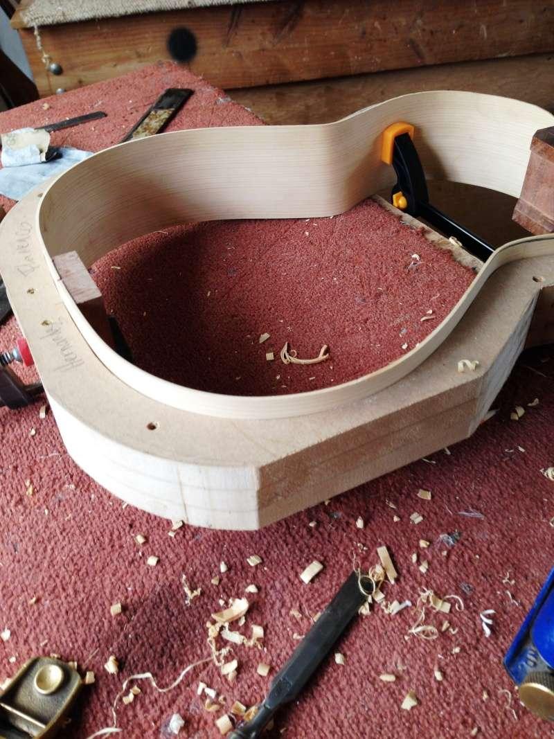 construction d une guitare blanca - Page 2 005_111