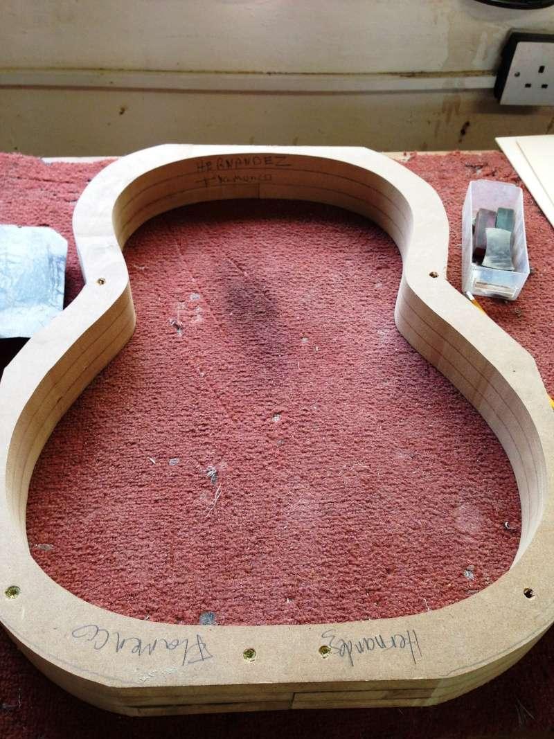 construction d une guitare blanca - Page 2 006110