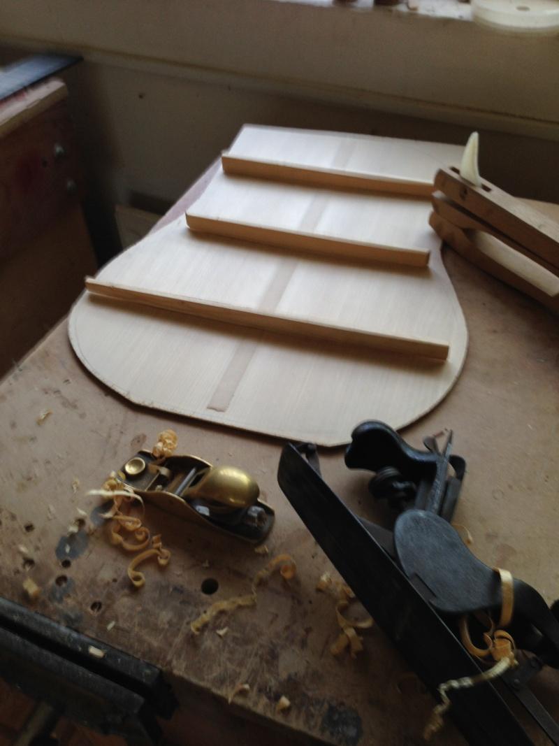 construction d une guitare blanca - Page 2 00811