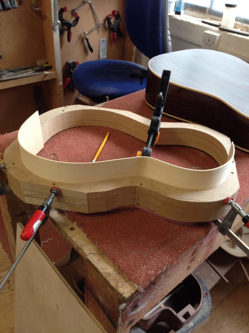 construction d une guitare blanca - Page 2 01010