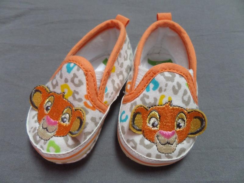 Arrivée de bébé dans le monde de Disney (déco chambre, faire part, idées baptême, vêtements ...) Sam_0626