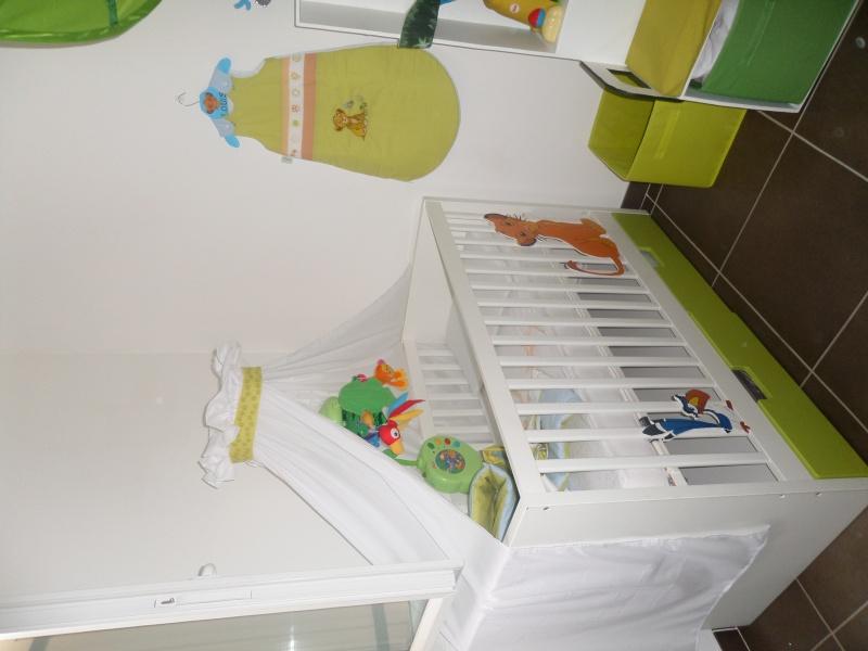 Arrivée de bébé dans le monde de Disney (déco chambre, faire part, idées baptême, vêtements ...) Sam_0712