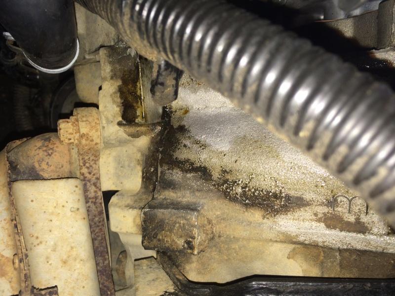 fuite d'huile...remplacement joint d'étanchéité - Couvercle avant (chaîne de distribution) V8 4.6 à partir AM99 - Page 2 New_le11