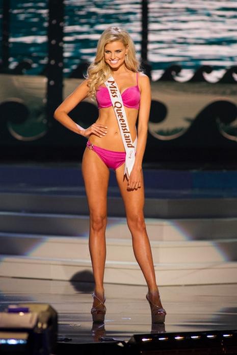 Miss Gécée- Concours de beauté internationale - Page 4 15061311