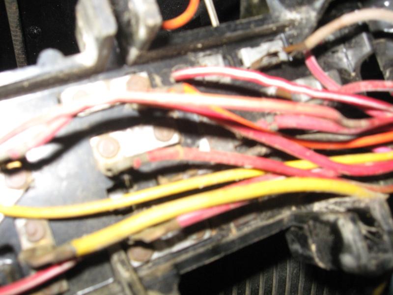 Problème électrique ( câblage) jeep cj7 Img_0324