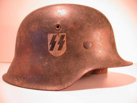 postez vos articles Waffen-SS - Page 3 Casq110