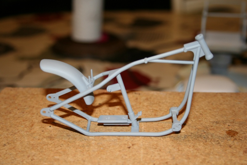 "Harley Davidson Hardtail Custom ""Cool Bob"" (Revell) [WIP] - Page 3 Img_3112"