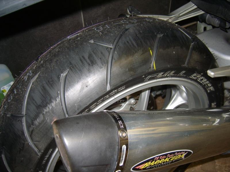 Paraffine sur un pneu neuf S8301412