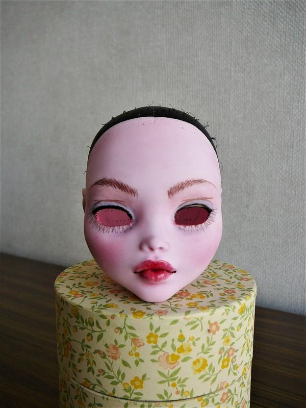 Draculaura géante customisée (Mattel) 03_dra10