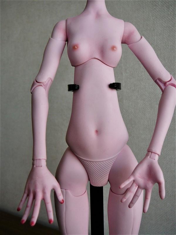 Draculaura géante customisée (Mattel) 08_blu10