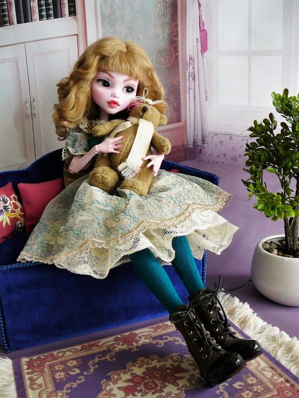 Draculaura géante customisée (Mattel) 14_lau10