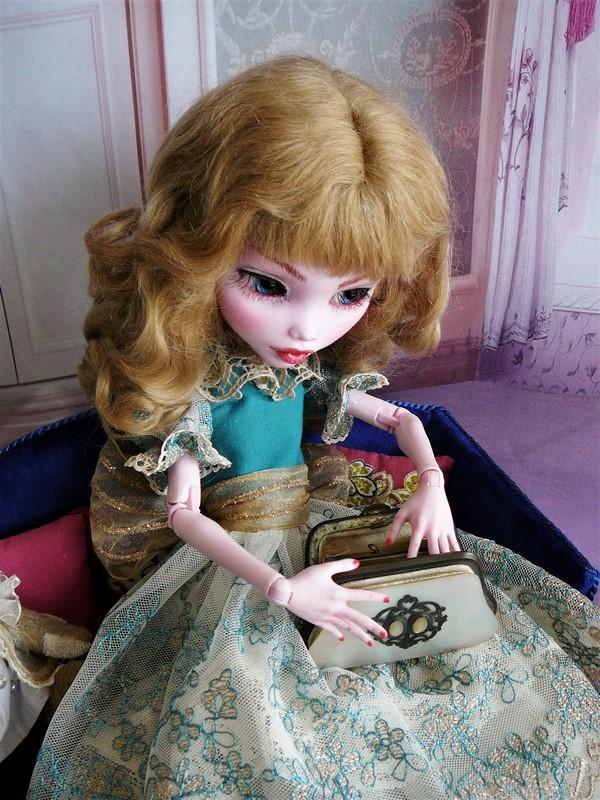 Draculaura géante customisée (Mattel) 19_lau10