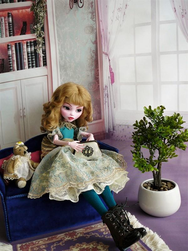 Draculaura géante customisée (Mattel) 20_lau10