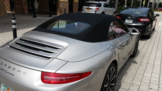 La Porsche croisée ce jour... - Page 5 Cabmia10