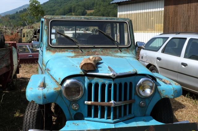 Les voitures abandonnées/oubliées (trouvailles personnelles) - Page 4 P1190749