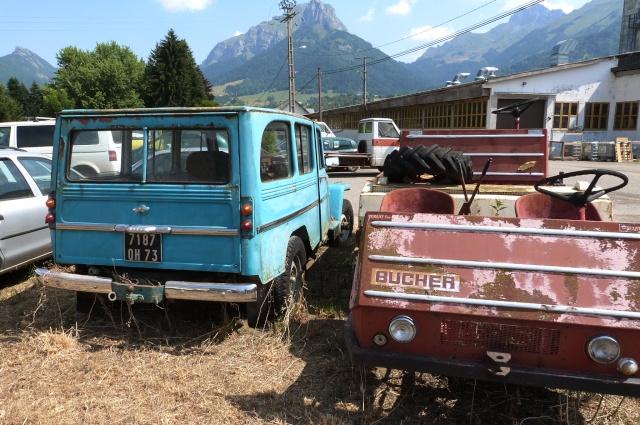 Les voitures abandonnées/oubliées (trouvailles personnelles) - Page 4 P1190750