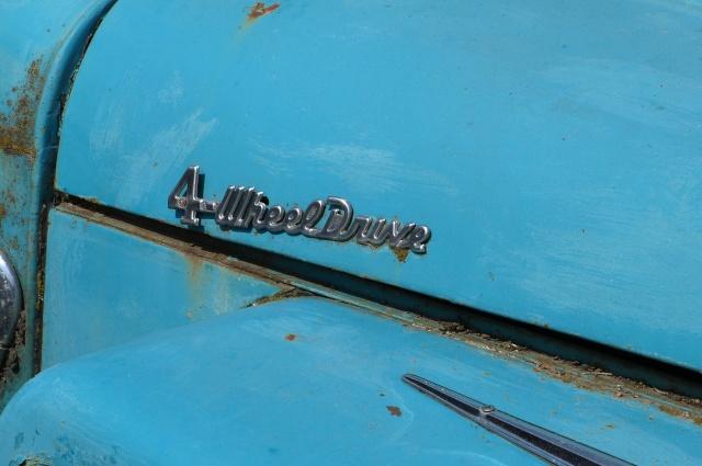 Les voitures abandonnées/oubliées (trouvailles personnelles) - Page 4 P1190753