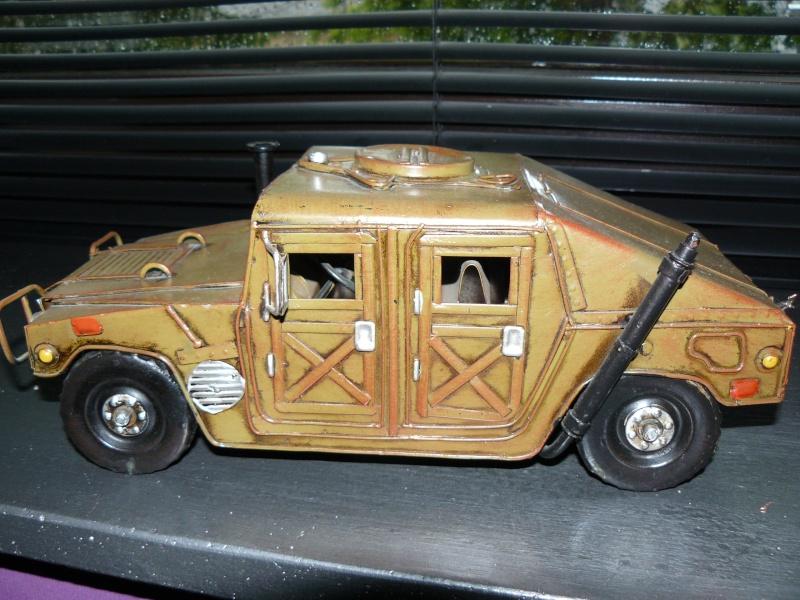 Miniature HUMMER H1 P1070617