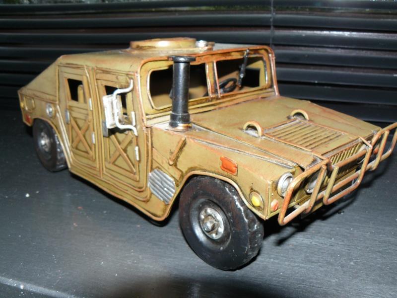 Miniature HUMMER H1 P1070619