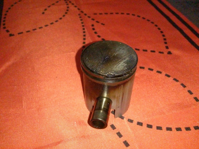 Piston endommagé moteur morini paloma rush Dsc_0014