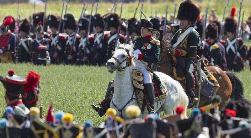 Bicentenaire de la bataille de Waterloo, 1815 - 2015 - Page 2 48714510