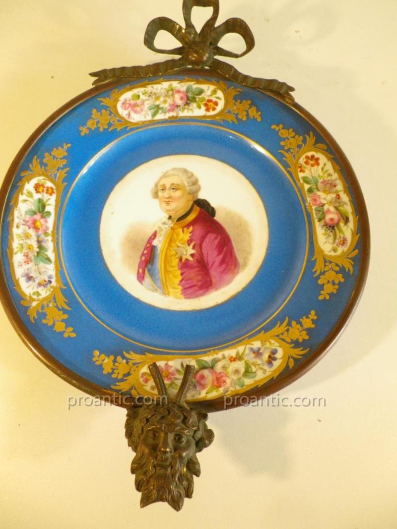 A vendre: Louis XVI et Marie Antoinette - Page 2 11992410