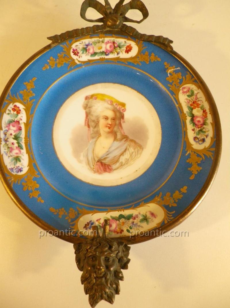 A vendre: Louis XVI et Marie Antoinette - Page 2 11992411